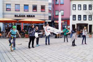 Flashmob Saaleputz_10_verpixelt