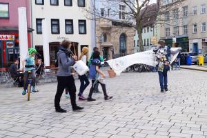 Flashmob Saaleputz_4_verpixelt