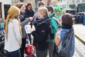 Flashmob Saaleputz_6_verpixelt